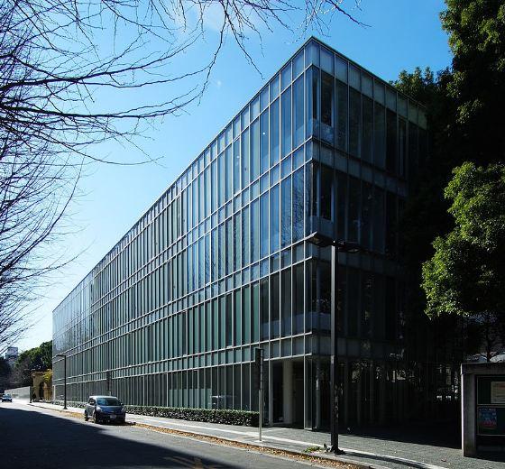 Tokyo_University_School_of_Law_Bilding
